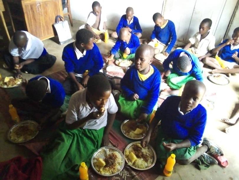 Kerstmaaltijd in Kizungwangoma